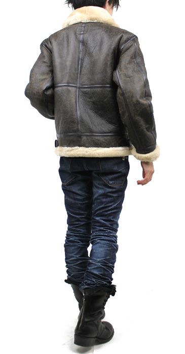 ラム革フライトジャケットB−3(ムートン)羊、着用した様子(背面)